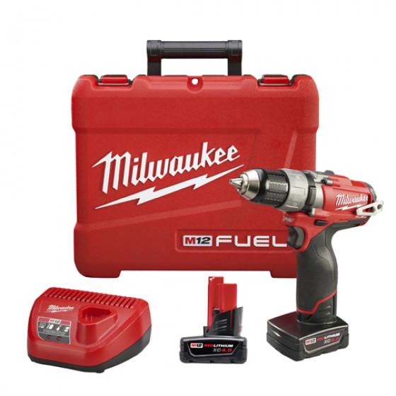 Milwaukee- M12 CDD 402C Perceuse/Visseuse  FUEL 12V Li-Ion 4,0Ah + 1 chargeur + 2 batteries + 1  coffret - 4933440395