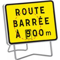 """Panneau KC1 """" ROUTE BARREE A --- M """" AVEC DISQUE DE DISTANCE VARIABLE DE 100 à 900 M classe T1 + PIED - SOFOP TALIAPLAST - 525600"""